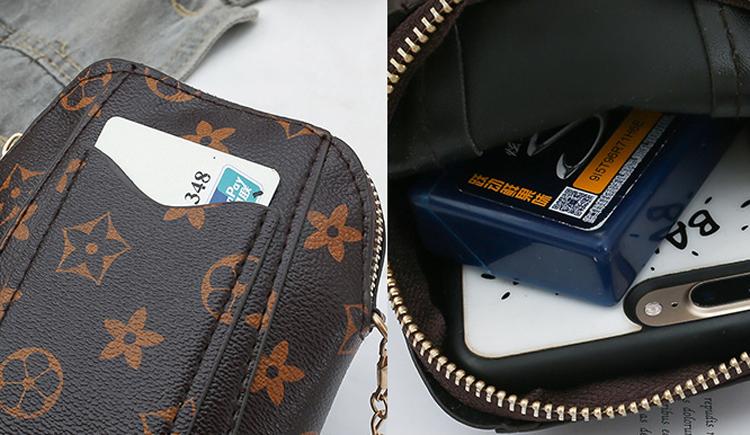 Túi đeo chéo nâu họa tiết mini tiện lợi 4